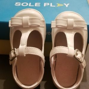 SOLE PLAY Toddler shoe.